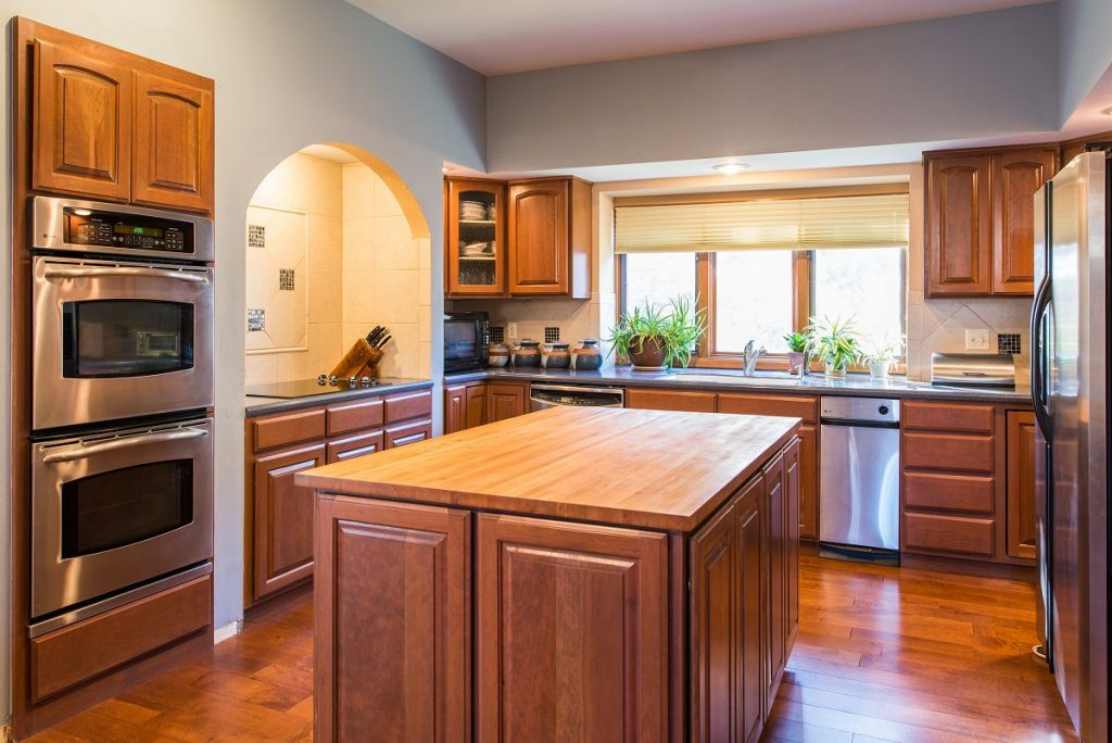 Cheap-Kitchen-Cabinets-Refacing-Ideas-for-wooden-kitchen-designs