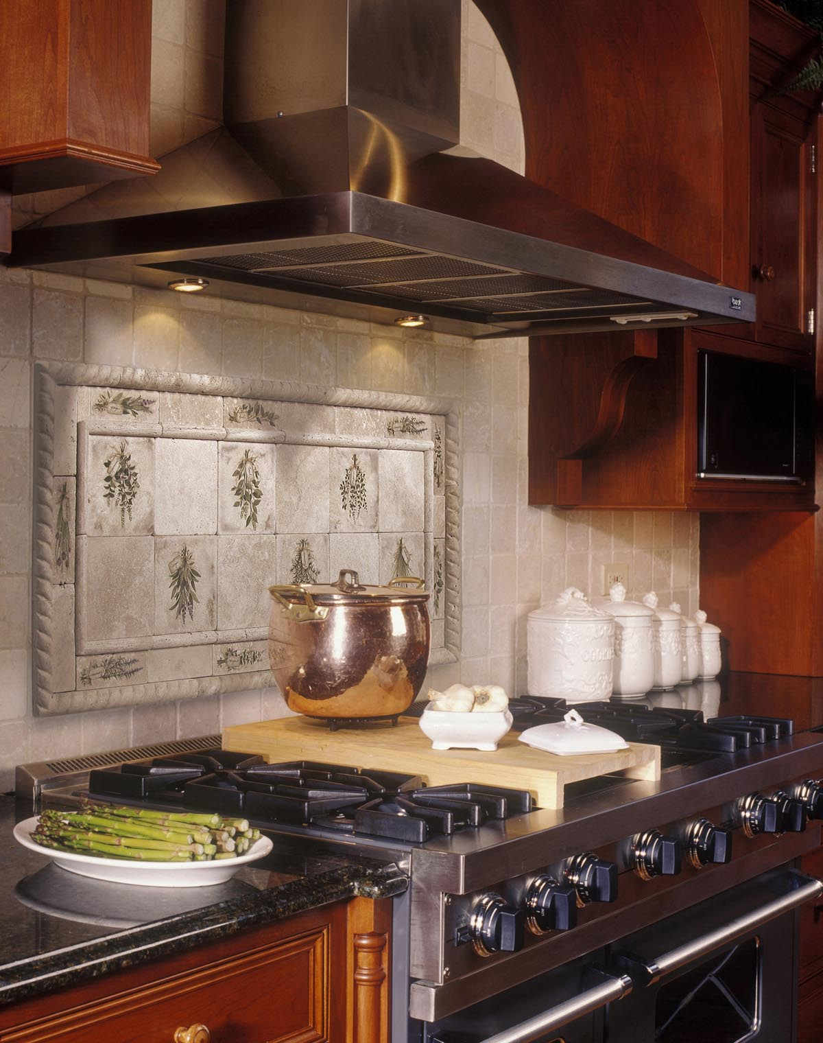 Kitchen Decorating Ideas for White Tiles Kitchen Backsplash Designs with Maple Kitchen Cabinet