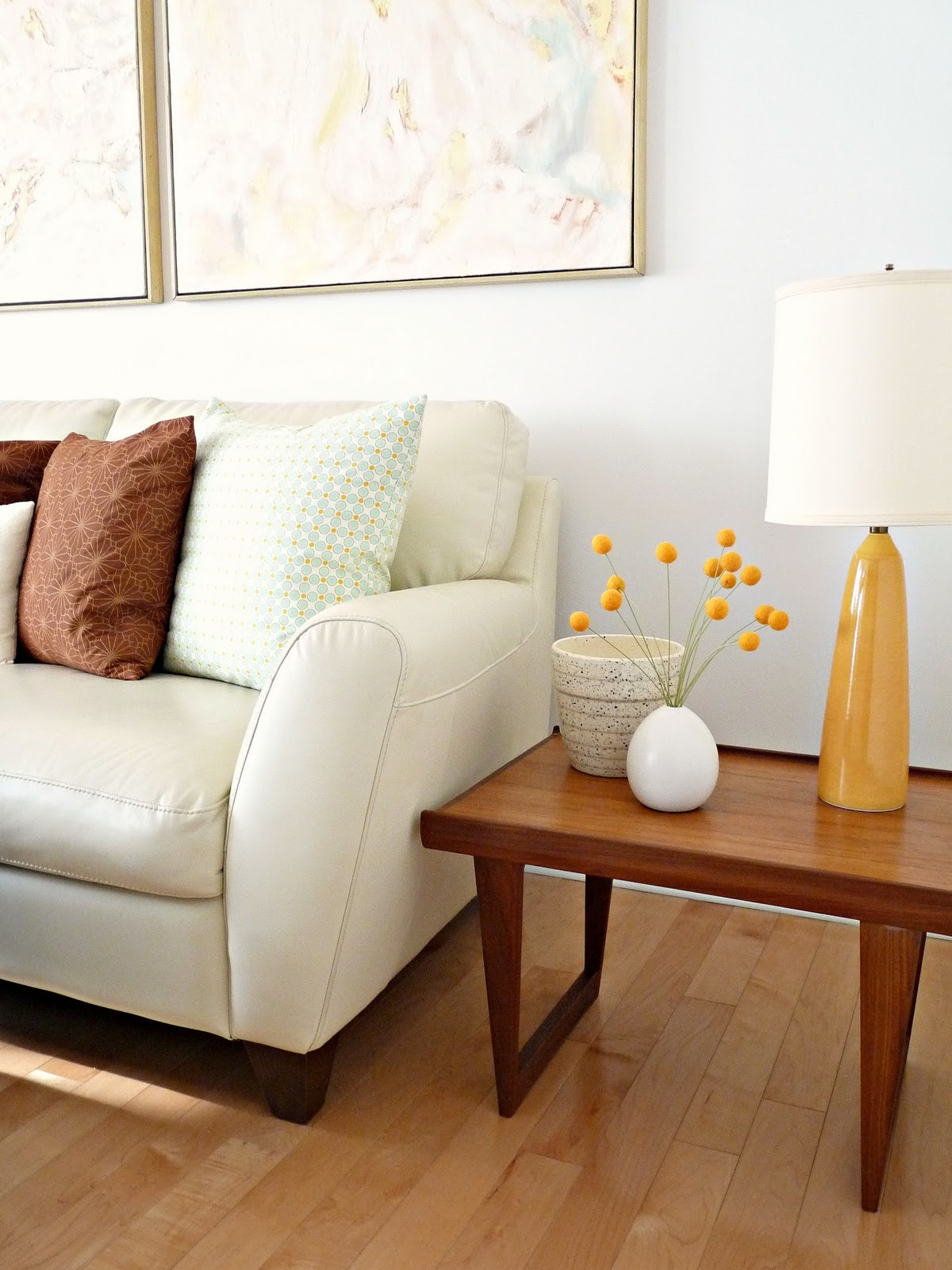 Small wooden oak end tables for cheap end tables living room ideas raysa house for Cheap oak living room furniture