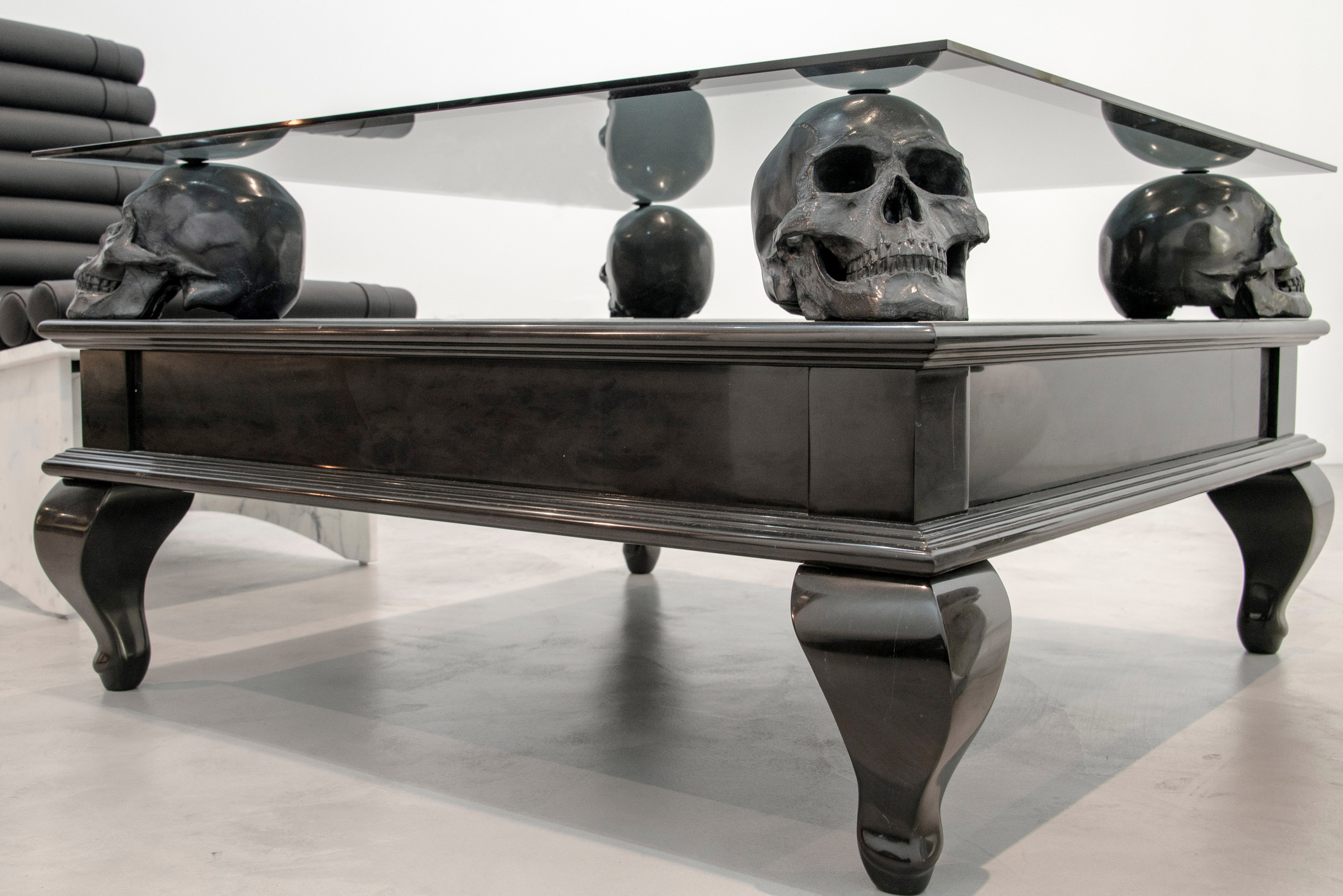 head skull coffee table