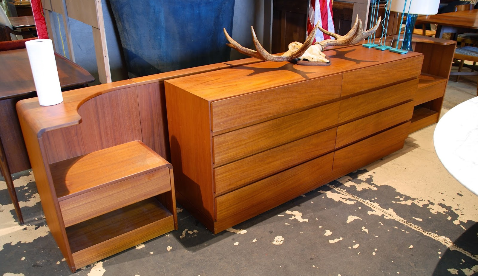 mid century furniture stores boston