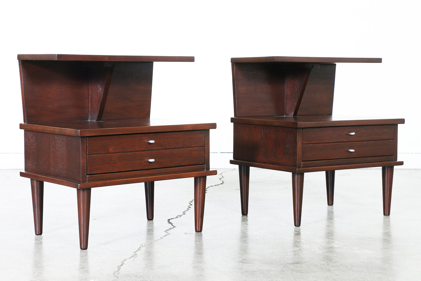 Mid century furniture stores online for Mid century furniture online