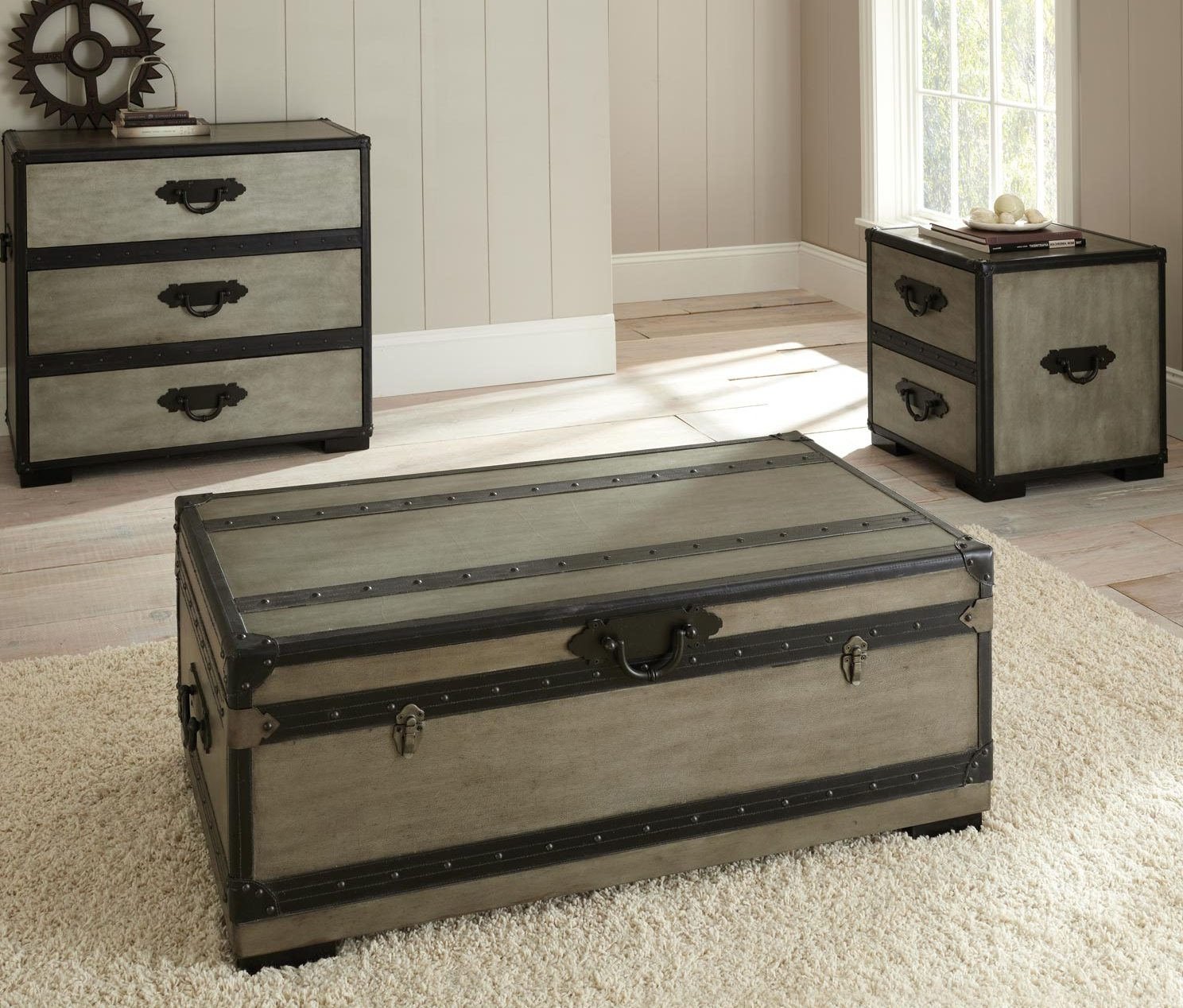 Dark Wood Trunk Coffee Table Furnitures Set