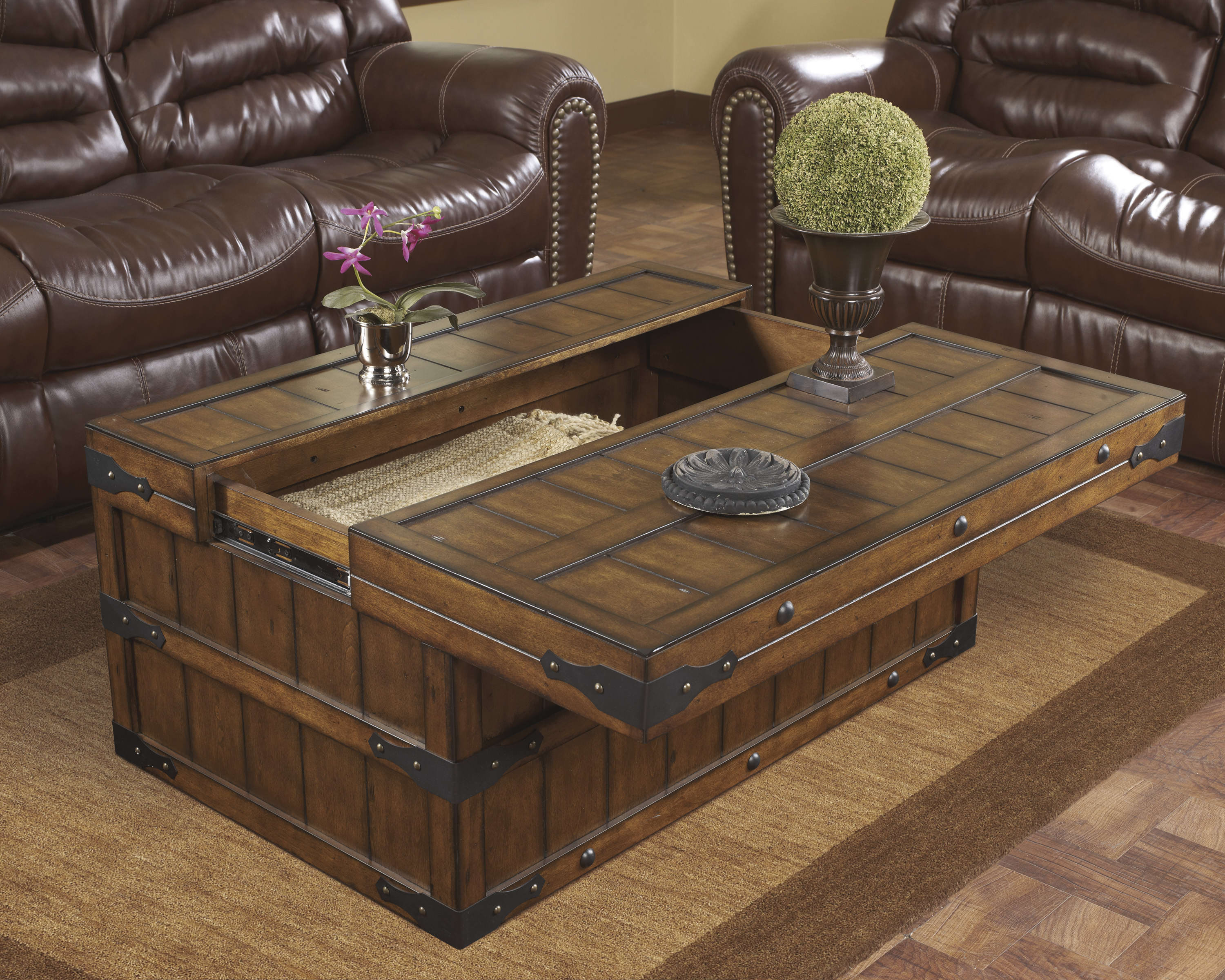 Dark Wood Trunk Coffee Table with Storages