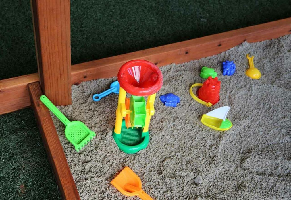 Get Big In Small Backyard With Playset Without Swings | Raysa House