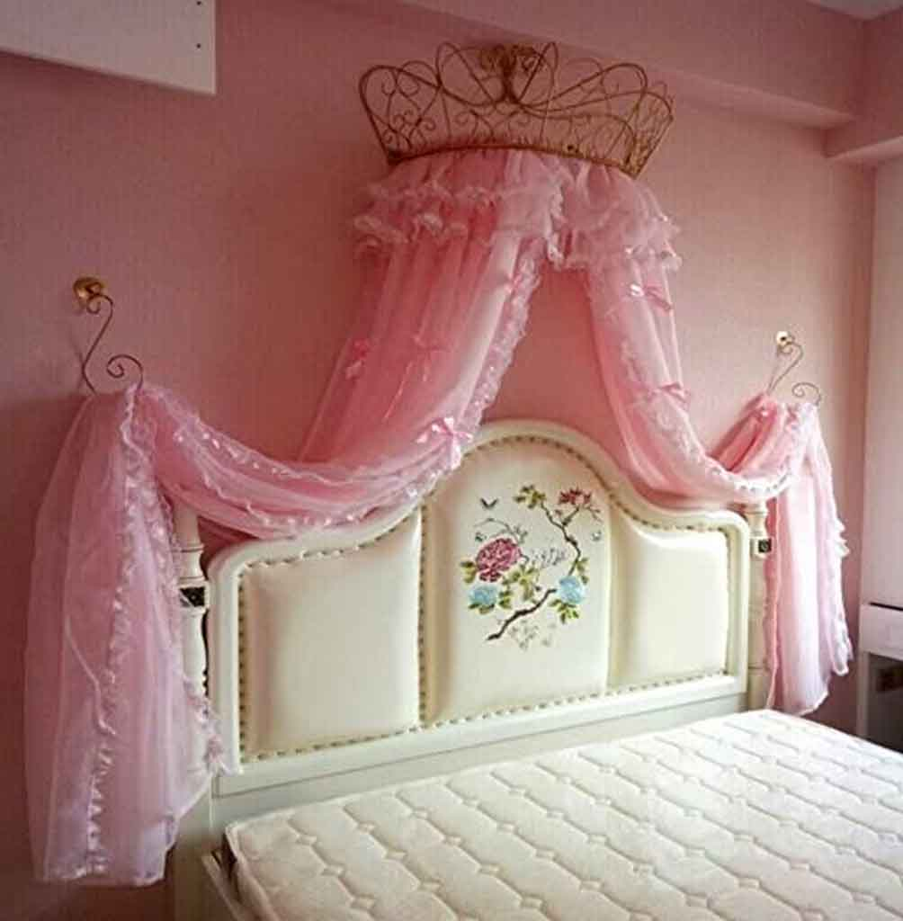 Fancy Ideas for Circle Bed Canopy in a Girl's Room | Raysa House
