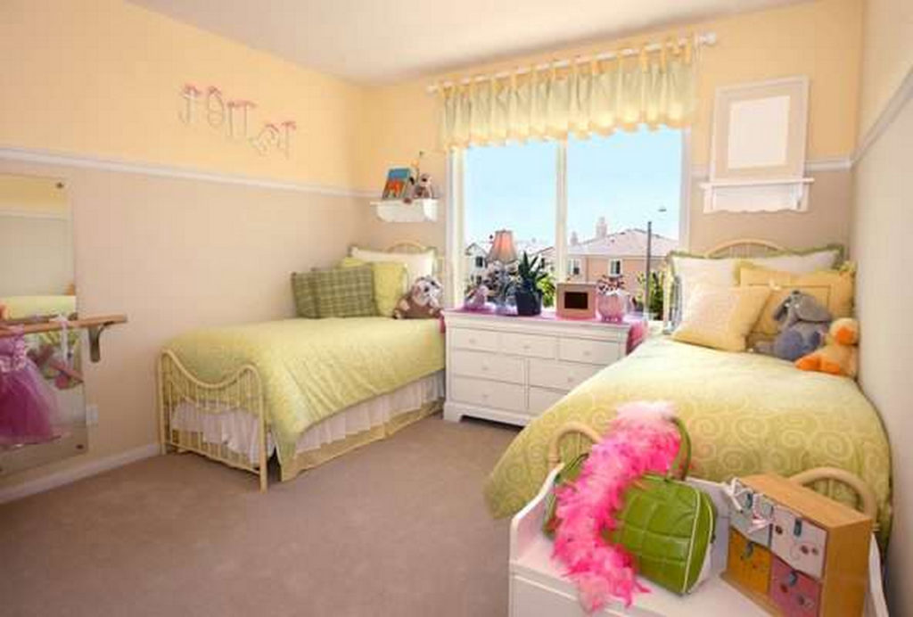 bold paint colors-bedroom colour ideas-colour combination for bedroom