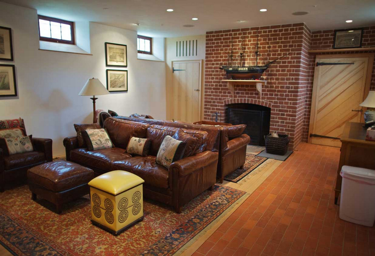 family room ideas-Basement-family-room-decorating-ideas-with-brown-leather-sofa-set-complete