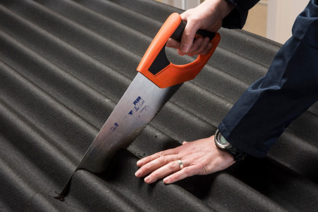 Asphalt Shingles or Bitumen Roof: Roof Material Types That You Should Know | Raysa House
