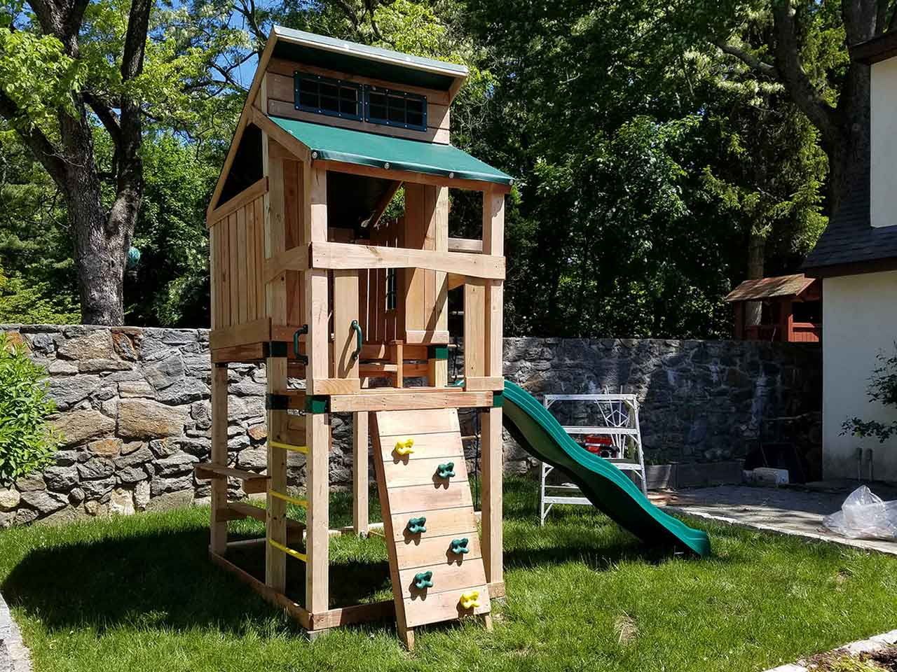 Get Big In Small Backyard With Playset Without Swings