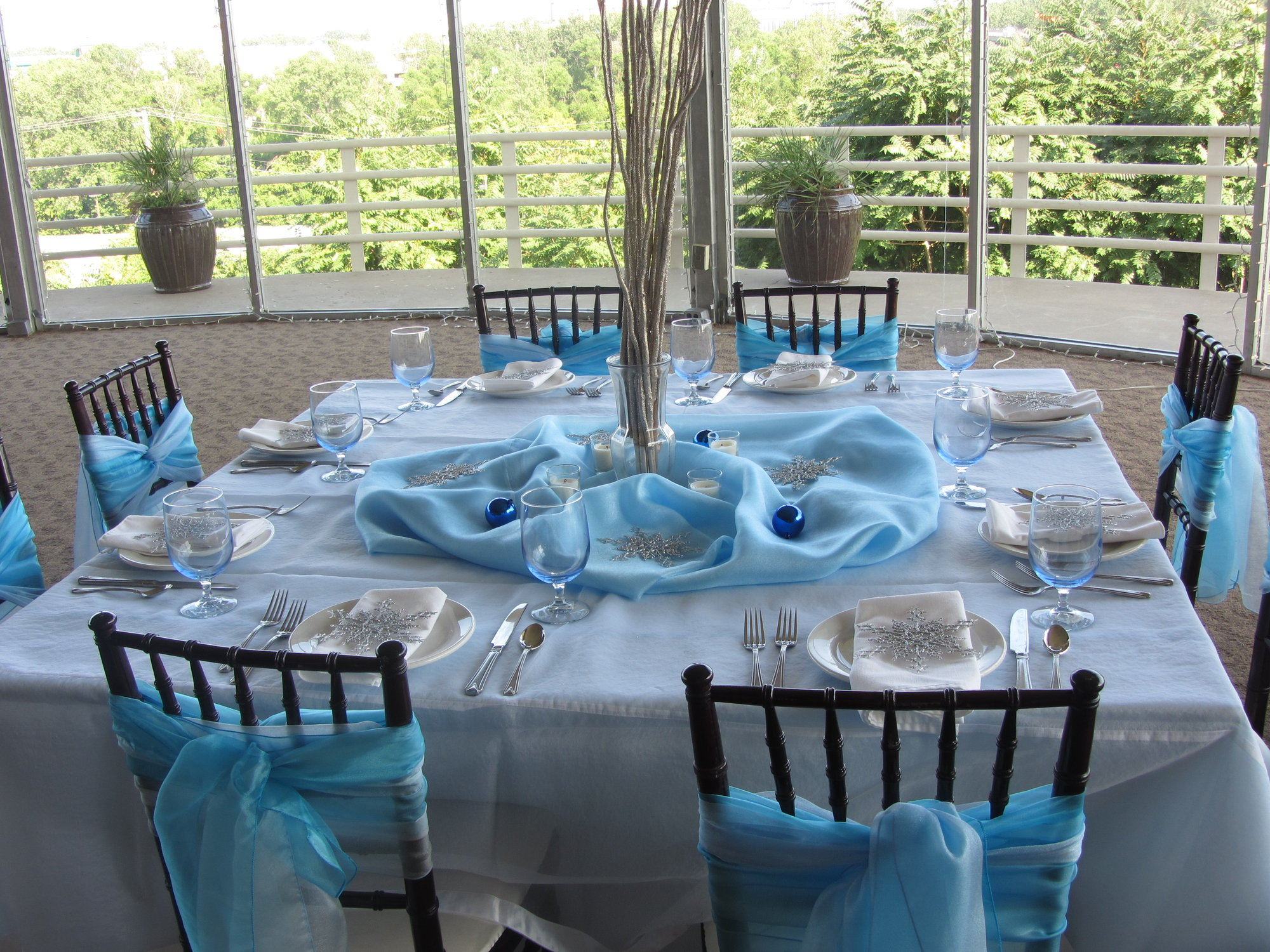 Winter Tablescape and Centerpieces Decorations Ideas-interior-design-awesome-winter-themed-table-decorations-home