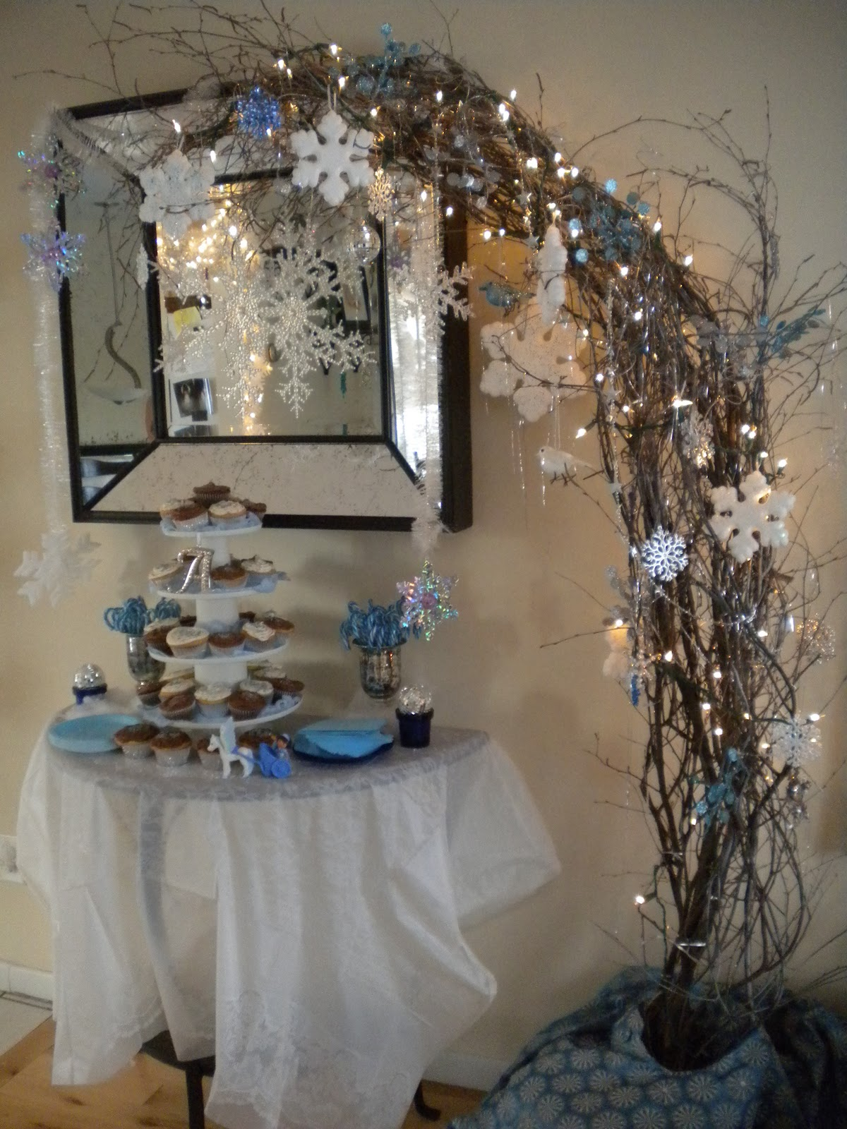 Winter Tablescape and Centerpieces Decorations Ideas
