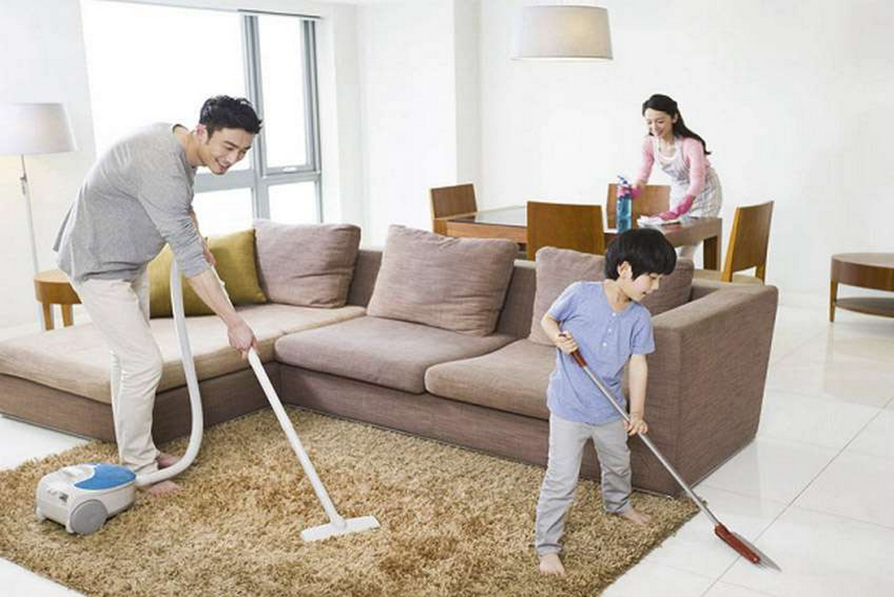 Hire a Home Cleaning Service? Why Not! | Raysa House