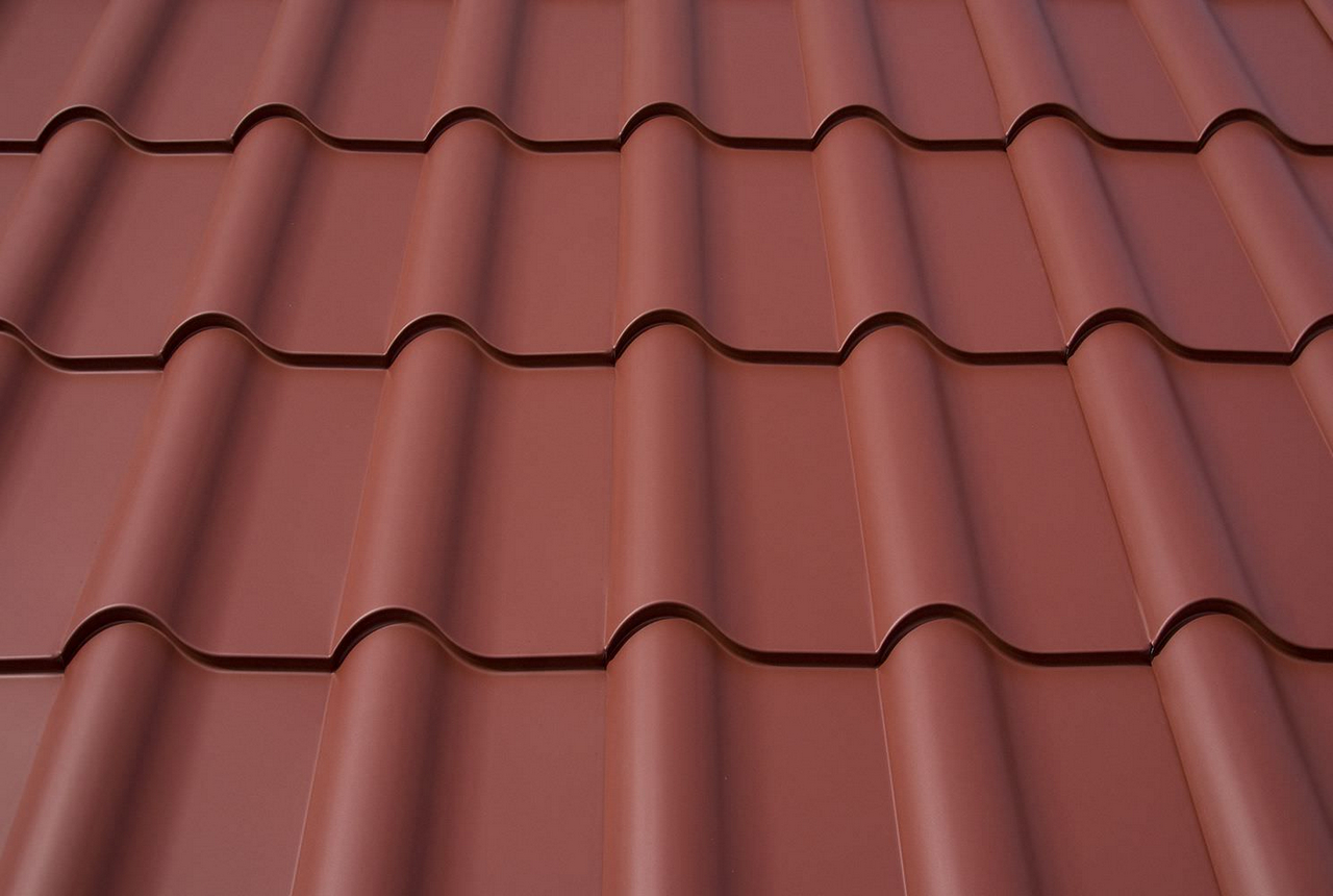 Metal Roof Tiles vs Ceramic Roof Tiles: Which Should You Choose?