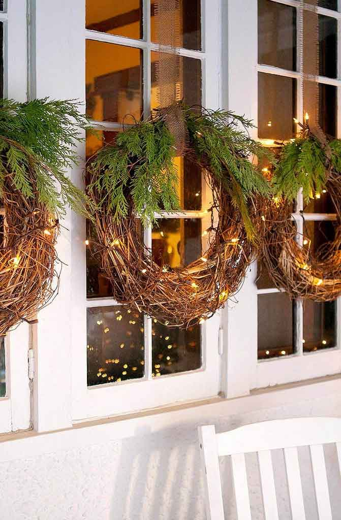 Low Budget and Easy to Make, Here Are 5 Outdoor Christmas Decorations Themes | Raysa House