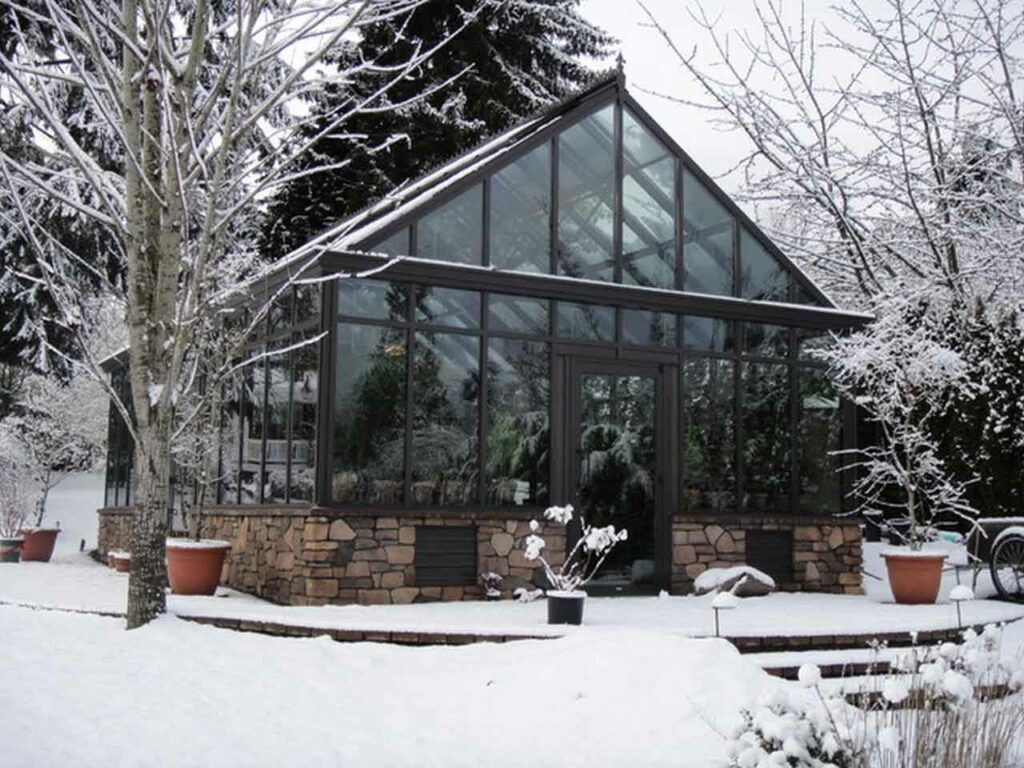 Four Types of Small Winter Greenhouse Sustainable Planting | Raysa House