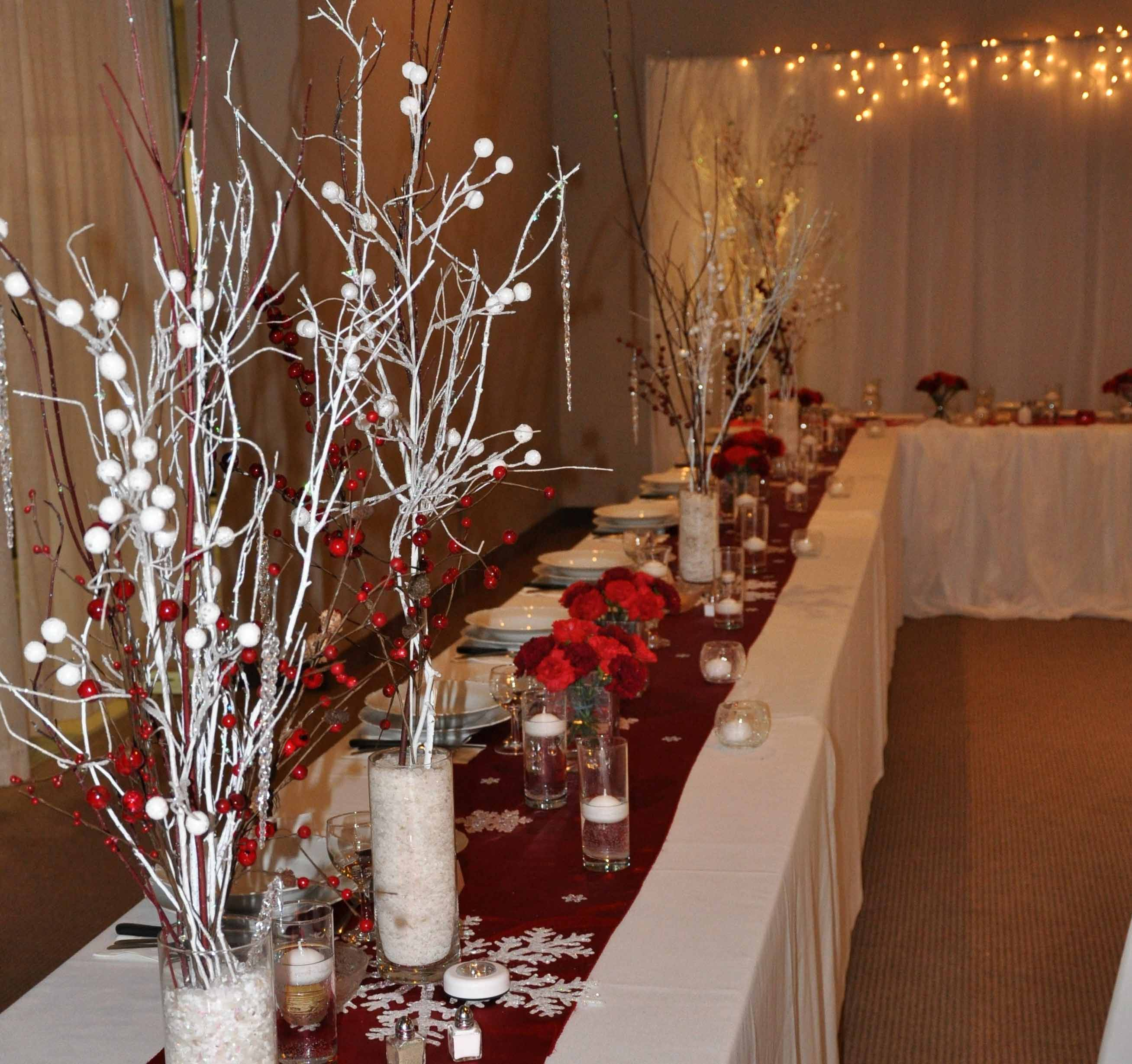 where-to-buy-wedding-decorations-beautiful-red-and-white-rustic-winter-themed-wedding-decor-Winter Themed Wedding Ideas decorations