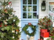 Low Budget Christmas Front Door Decorations That Still Spark The Special Day | Raysa House