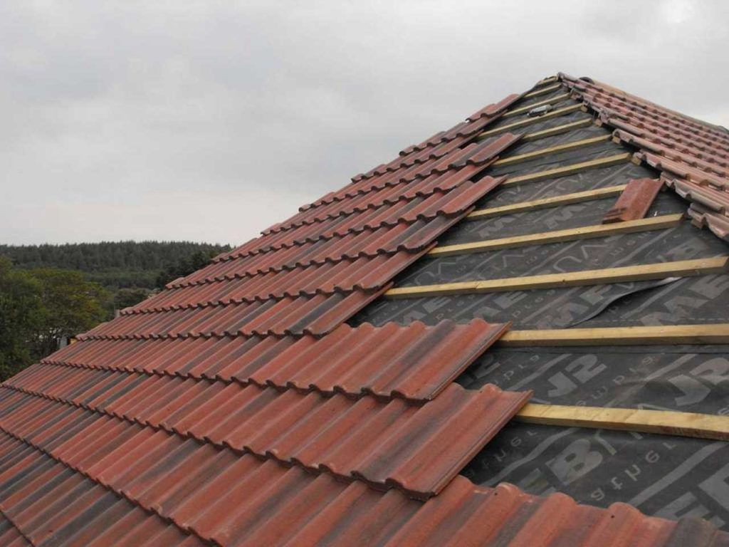 Roof Tile Installation Procedure and Roofing Accessories Function | Raysa House