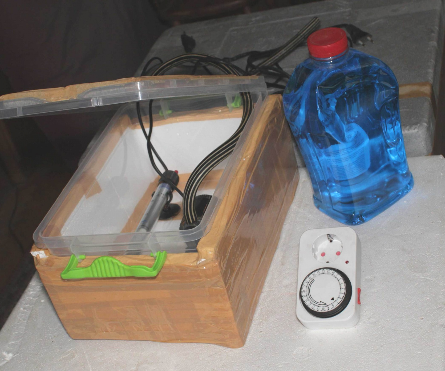 small greenhouse heater | DIY Greenhouse Heater | small greenhouse heater
